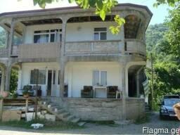 Срочно!!!!!! продается земельный участок с домом в Квариати.