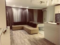 Квартира с ремонтом с 4 спальнями в Батуми