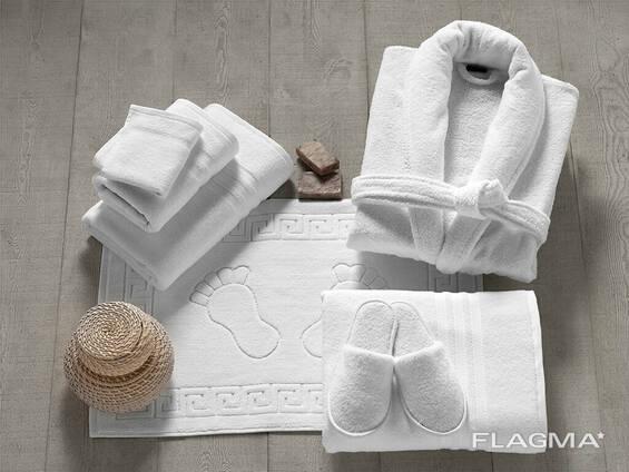 Наборы и аксессуары для гостинец и отелей