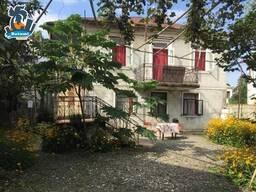 Продается старый дом в Батуми с земельным участком