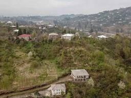 Продается земельный участок с домом в чакви.