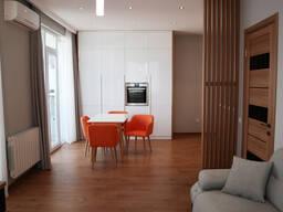 Продаётся 2-х комнатная квартира с прямым видом на море, с ремонтом и мебелью. Батуми.