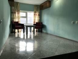 Срочно продаётся дом 4 Этажа, в Батуми, возле собора.