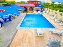 В Батуми сдается посуточно семейный Отель с бассейном